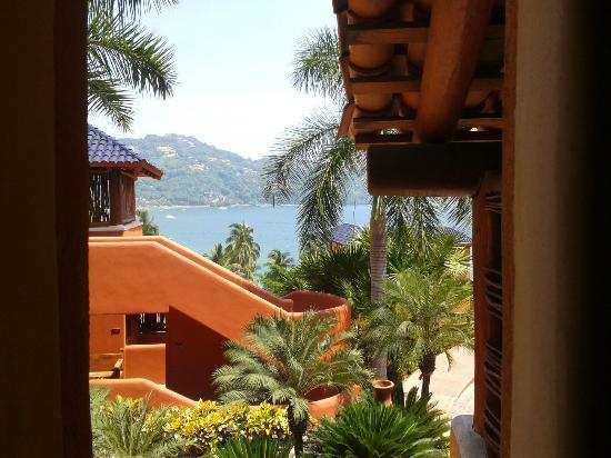 Embarc Zihuatanejo: View from the bathroom