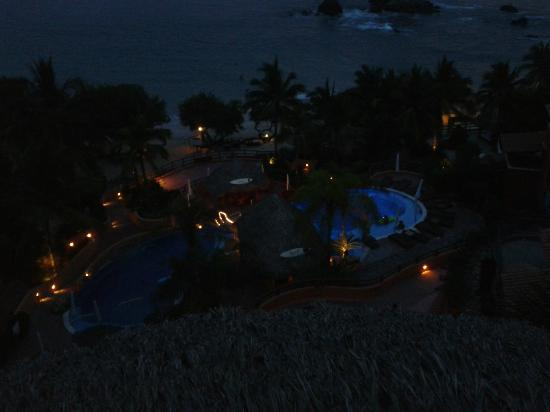 Club Intrawest - Zihuatanejo: beach