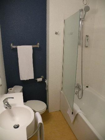 Ibis Styles Bordeaux Gare Saint-Jean : salle de bain