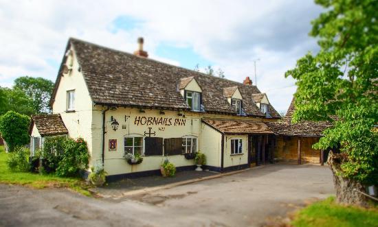 Ye Olde Hobnails Inn