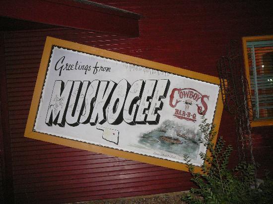 Cowboy's Bar-B-Q: Sign outside