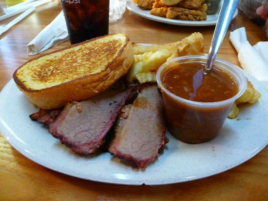 Hog Heaven Bar-B-Q : Beef brisket, pulled pork, grlic toast, bar-b-q beans and fries