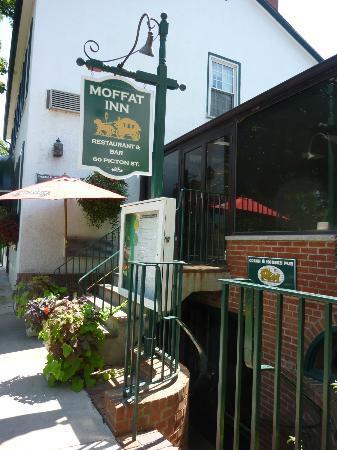 Coach & Horses Pub: Pub signage