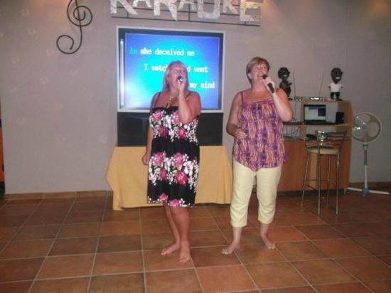 PAVLOS BAR: Me and my sister Julie killing the karaoke!