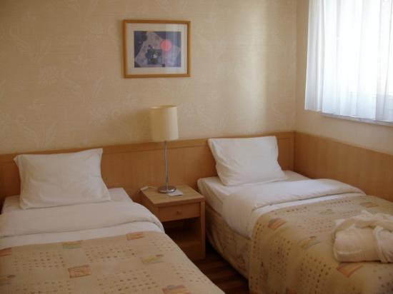 Zgoda Apartments Hotel: The ... sleeping quarters