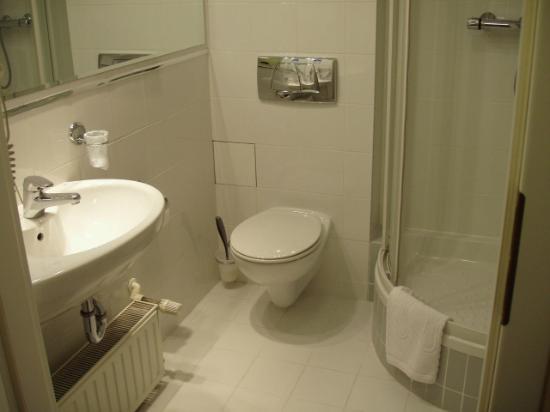 Zgoda Apartments Hotel: Bathroom
