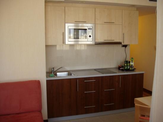 Zgoda Apartments Hotel: Kitchenette