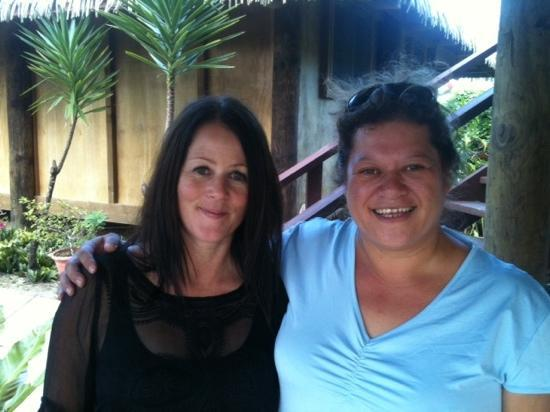 Muri Beach Hideaway: Me and Vina our fabulous host