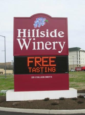 ‪Hillside Winery‬