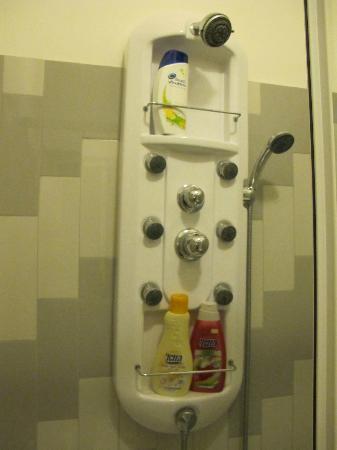 Bed And Breakfast La Porta: Shower