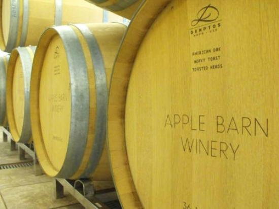 ‪Apple Barn Winery‬