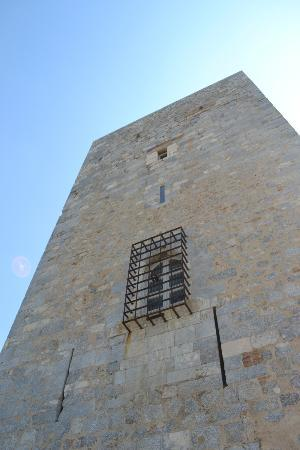 Palais des Rois de Majorque (Palace of the Kings of Majorca): The defence tower of the inner castle