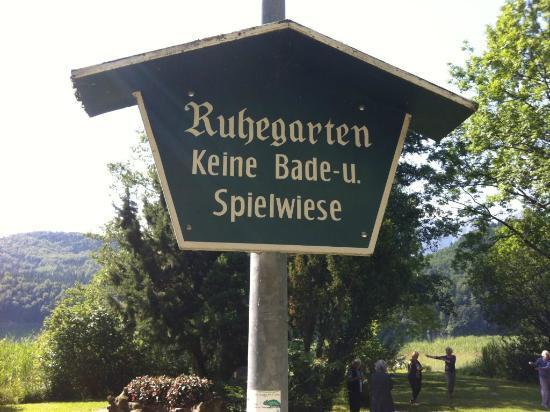 Seegasthof Weissensee: Ruhegarten, behind the guest house