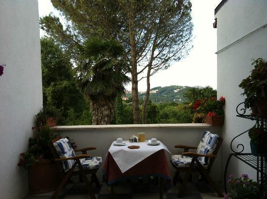 Villa Ducci Bed & Breakfast : Veranda della colazione