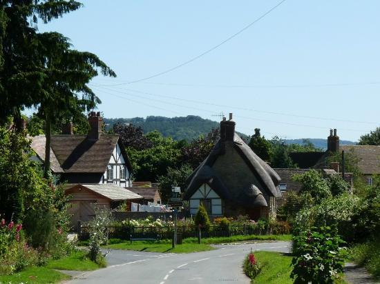 The Star Inn: Pretty Little English Village