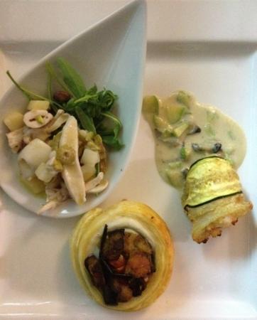 Ristorante Opera: Cono di scorfano con vellutata di ostriche e cuore di crostaceo; Girella di spatola, melanzane s