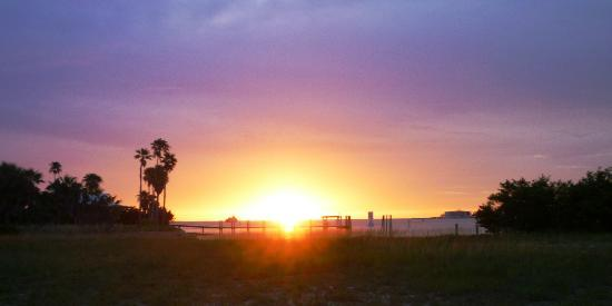The Island Grille & Raw Bar : Sunset at the Island Grille