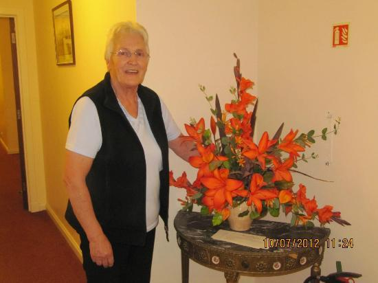 Marshall Meadows Country House Hotel: Joan & her flowers