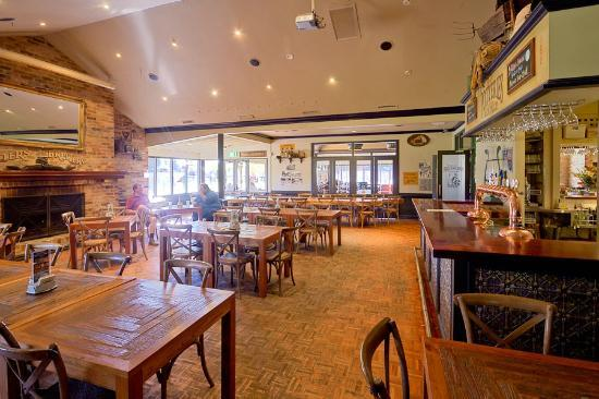 Old Brickworks Brasserie at Potters Hunter Valley: Plenty of seating.