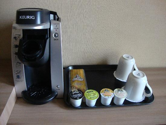 Hotel Royal William: New coffeemaker and its sachets.