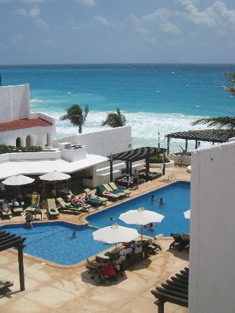 GR Caribe by Solaris: from our room you see the pool and beach