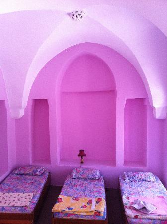 Lizbon Guesthouse: triplle room,airconditioned.