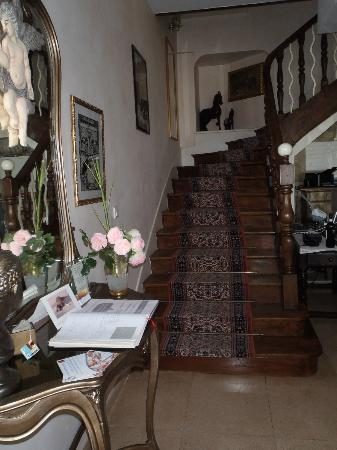 La Locandiera: Stairs to rooms