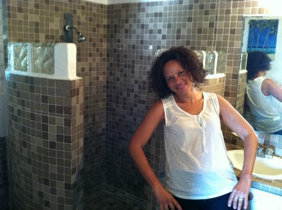 Moon San Villa: love the bathroom design