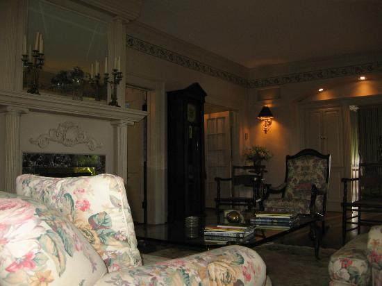 The Yellow House on Plott Creek Road: Another living room picture