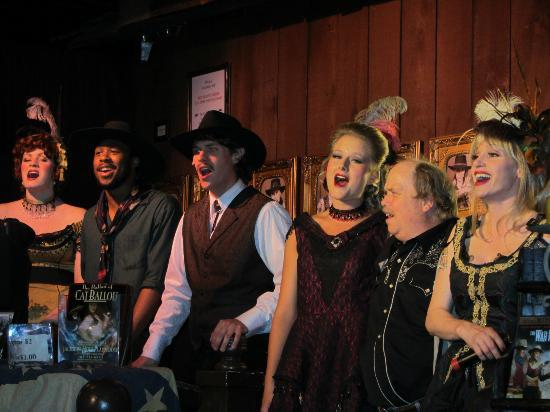 Jackson Hole Playhouse : Pre-show entertainment