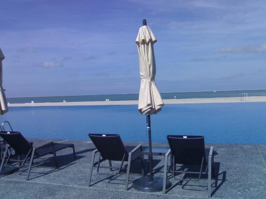 โฟร์พอยส์ บาย เชอราตันลังกาวี: lovely pool