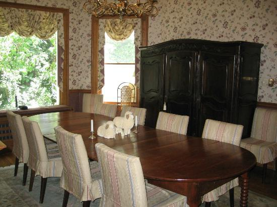 The Yellow House on Plott Creek Road: Dinning room