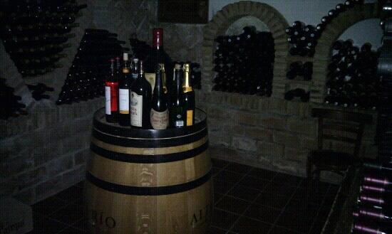 Restaurante El Puerto: Bodega