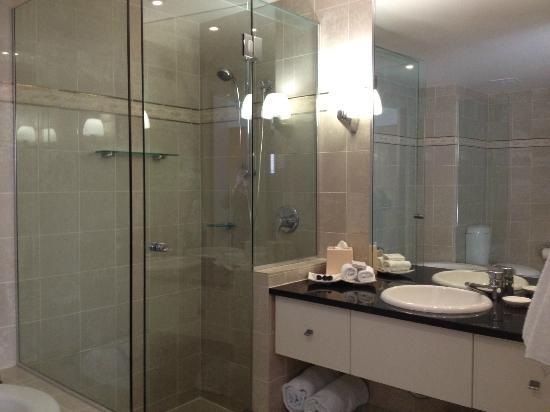 The Sebel Noosa: Shower