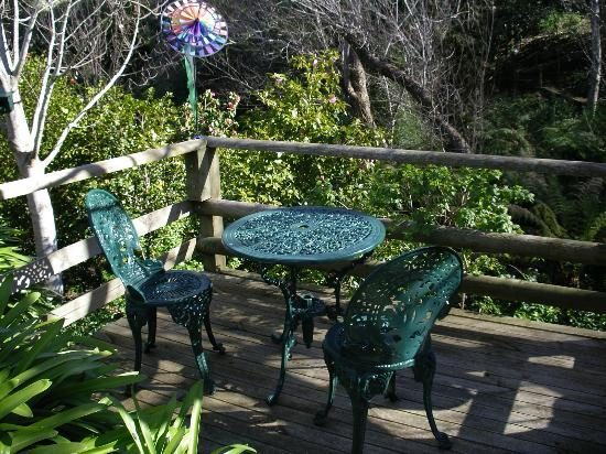 Adelaide Hills Bed and Breakfast Accommodation: Your own private balcony