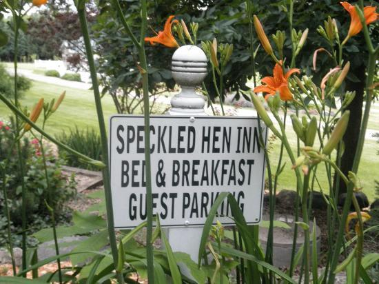 The Speckled Hen Inn: Parking