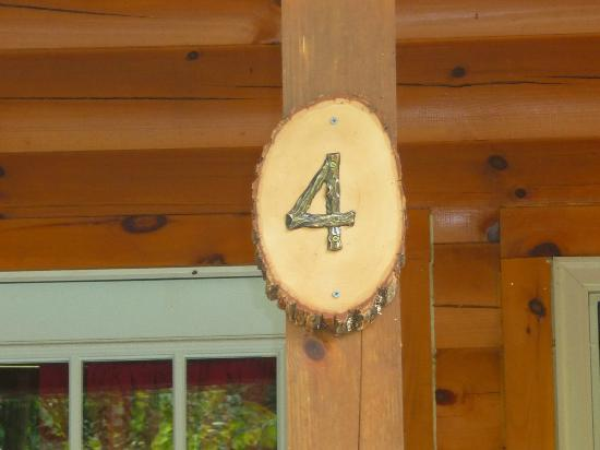Heritage Cove Resort: Cabin #4 Marker