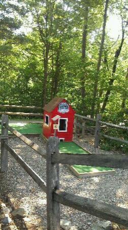 Prospect Mountain Campground: Mini Golf