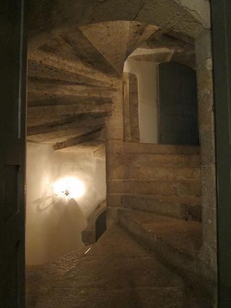 Chateau d'Esparron : Staircase