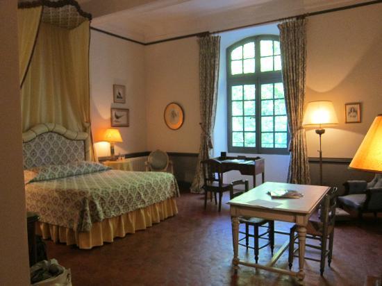 Chateau d'Esparron : Jaune room
