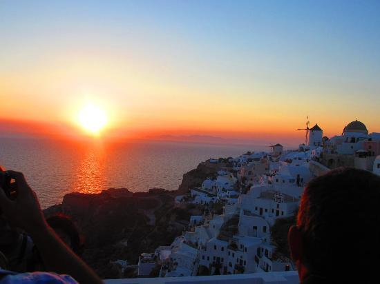 Old Oia Houses: Sunset photo taken from Oia Castle