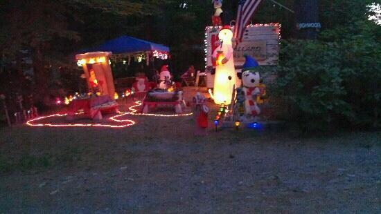 Prospect Mountain Campground: Christmas in July