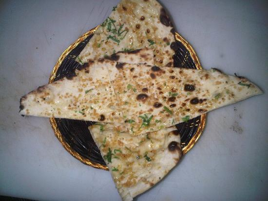 Indian Mehfil: garlic naan