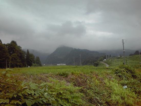Ryuuunsou: 外観(山裾にたたずむ1件宿)