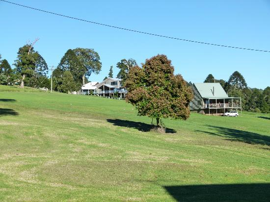 Bunya Mountains Accommodation : 'Pine View' house