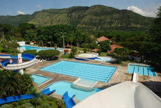 Honda, Colombia: One of the largest swimming pools at Agua Sol Alegria