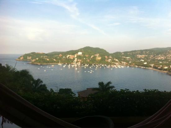 Casa Cuitlateca: View of Zihuatanejo bay from our private balcony