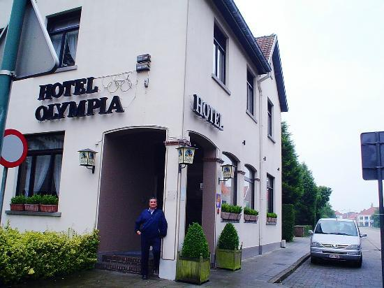 Hotel Olympia Bruges: The rooms are very nice... Sadly, I didn't take pictures of them