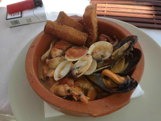 La Cueva de Lobos: seafood soup