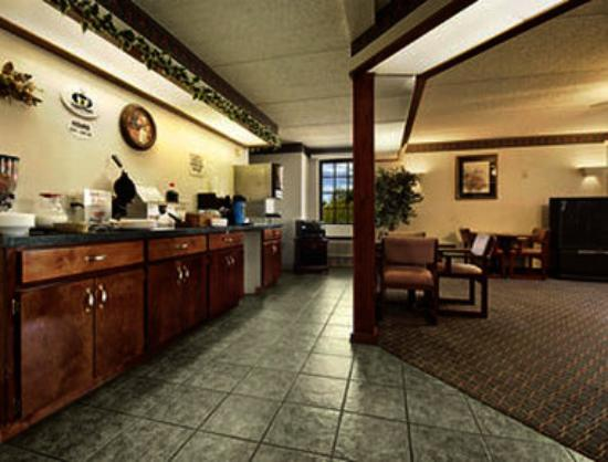 Super 8 Dothan: Breakfast Area